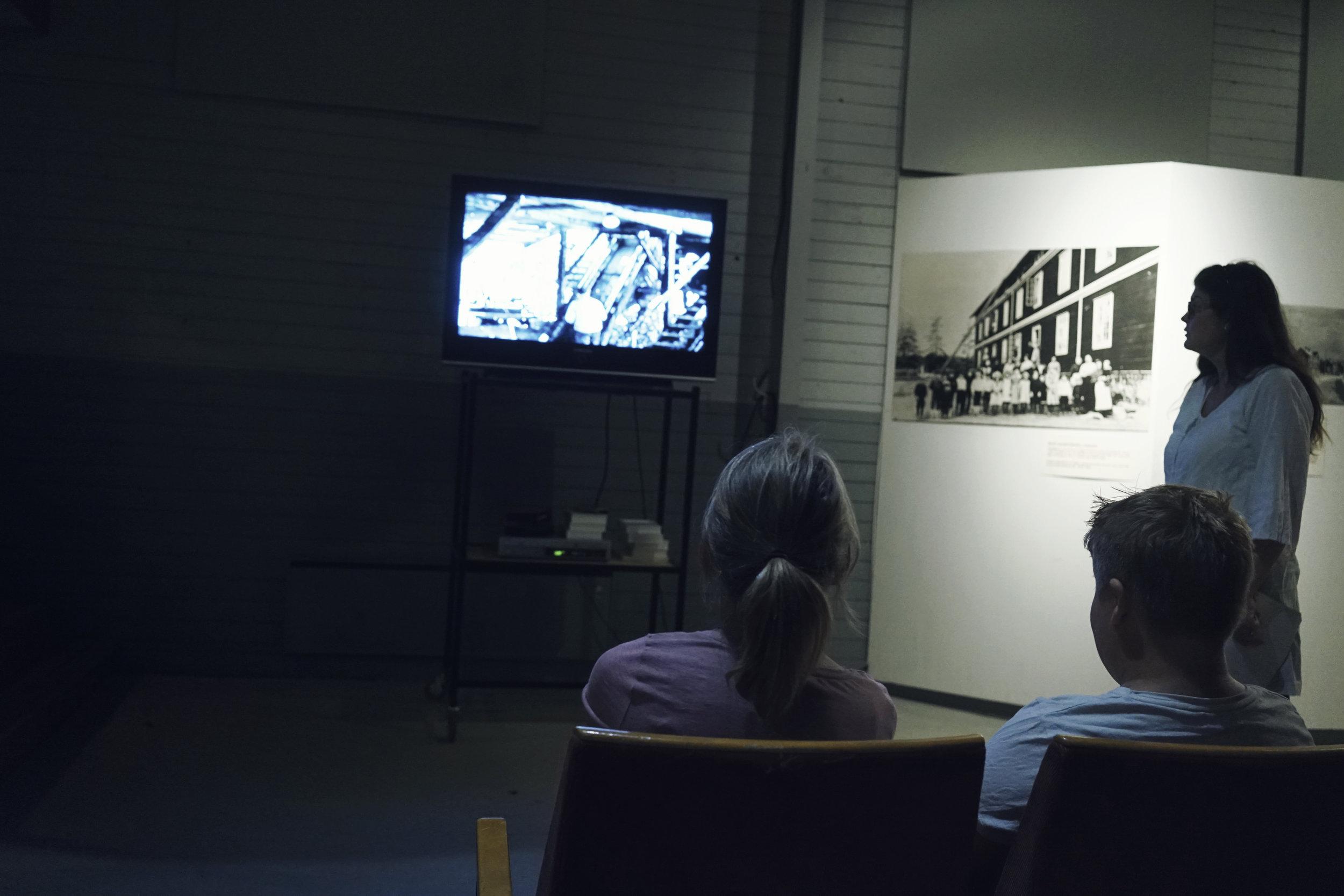 Kom och titta på filmen från Järnverket, filmat år 1953