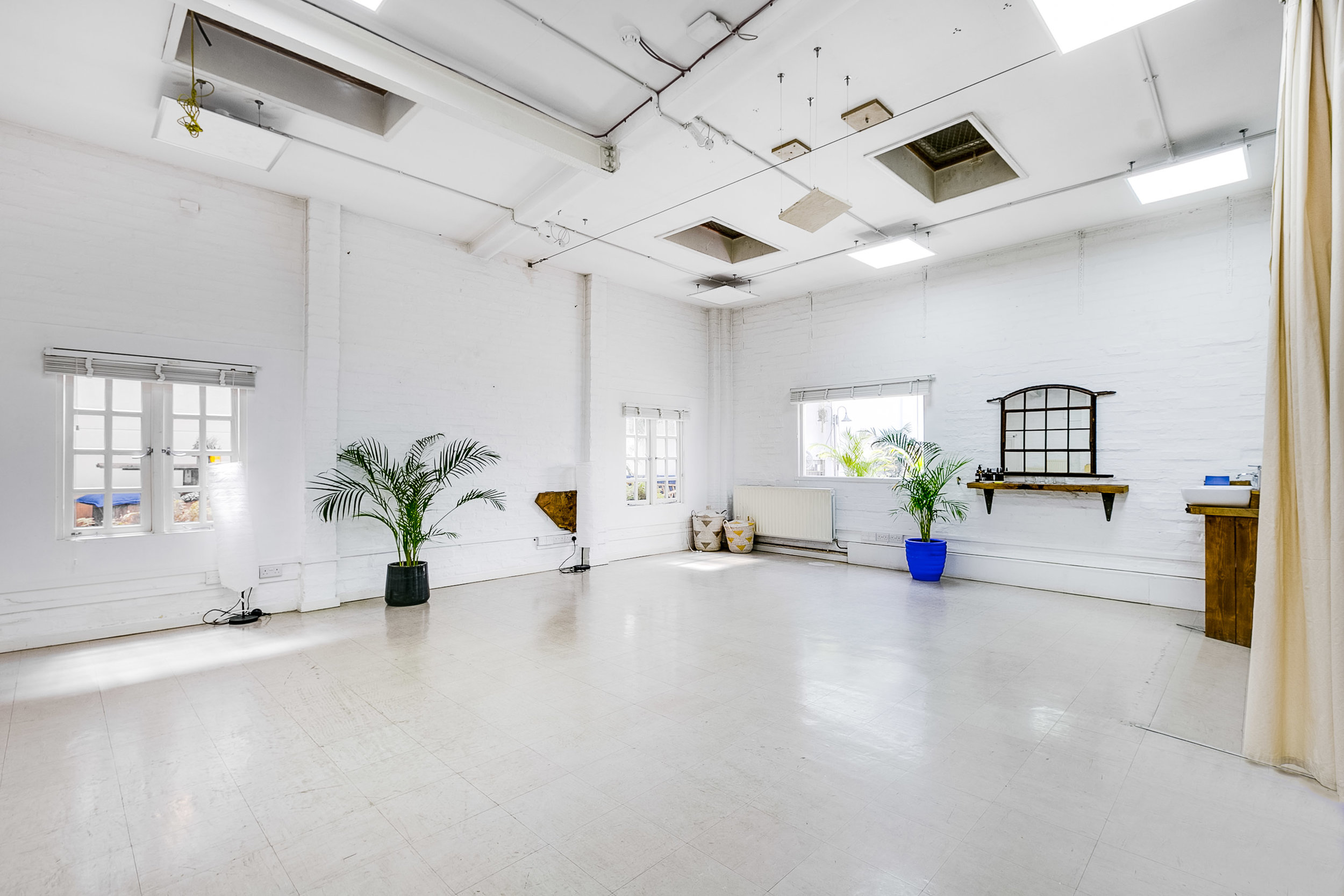 The Wellbeing Room at The Greenhouse N16 -Ideal for seminars, workshops, photoshoots, filming locations, yoga classes and many more.