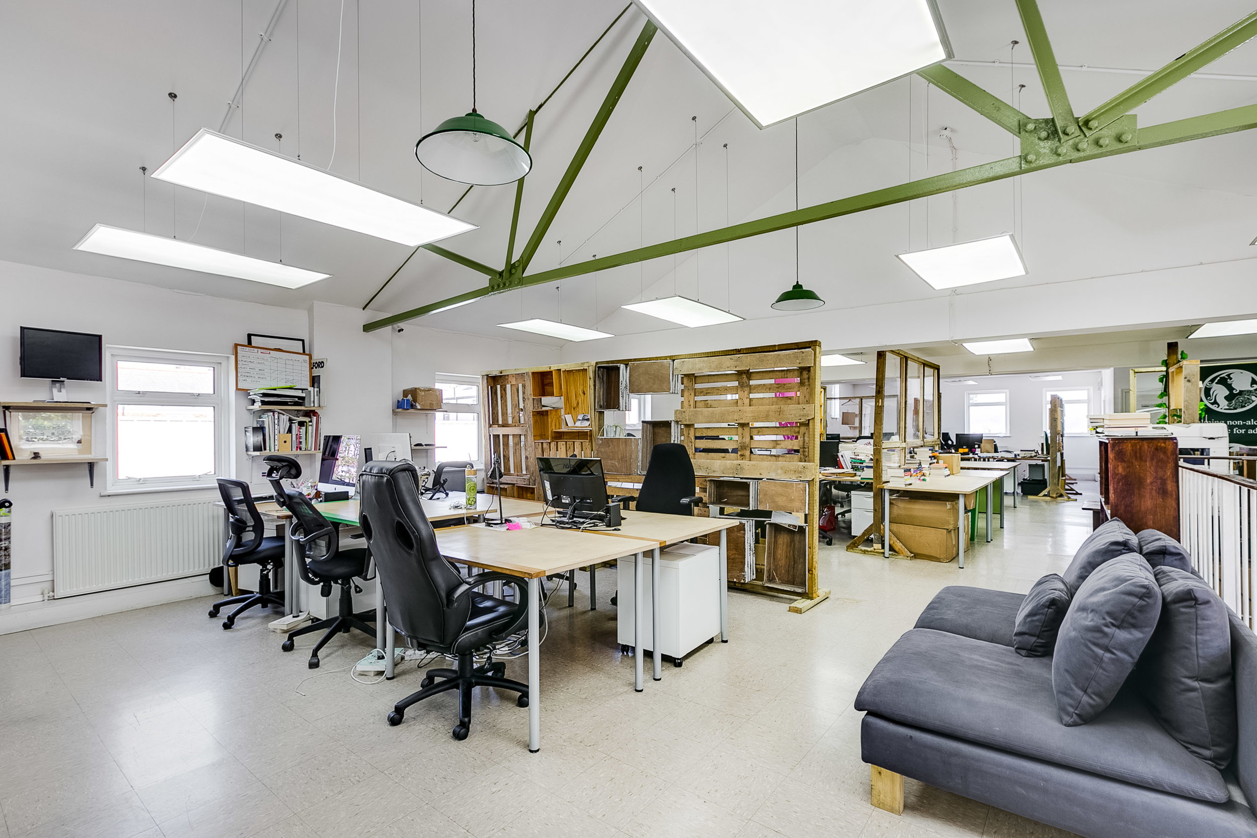 House Membership - For those who need a desk to call their own. This entitles you to your own 24/7 space, fully equipped with lockable storage, space for multiple screens and unlimited access to meeting rooms. By sitting with the same great people every day,you quickly become part of the community. Available at The Greenhouse N16 and The Greenhouse E9 only.