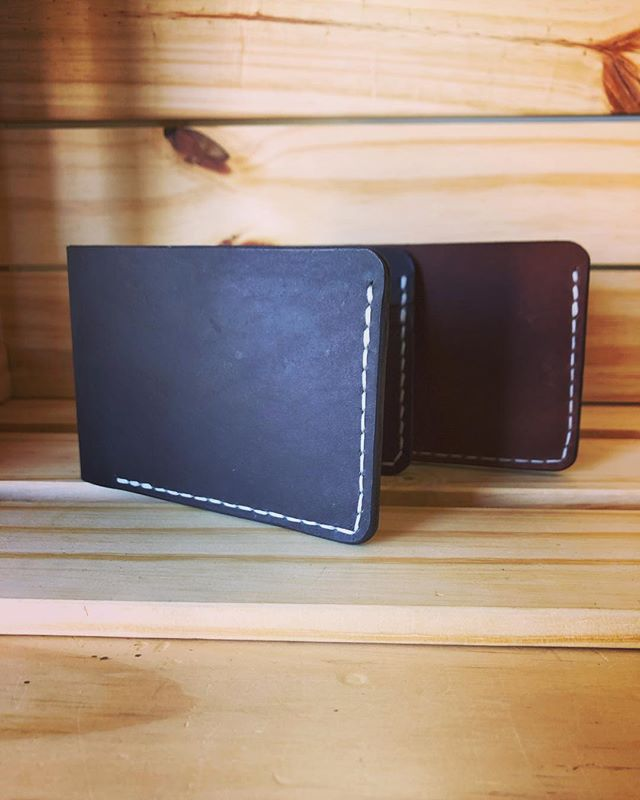 Back at it again with the white stitch • • • • #leather #leathercraft #leatherwork #wallet #leatherwallet #bifoldwallet #minimal #style #fashion #travel #adventure #outdoors #rustic #artisan #handmade #handsticthed #black