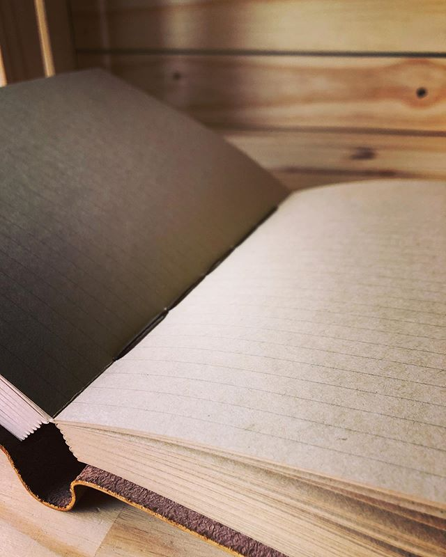 The warmth of our kraft paper journals are always inspiring to us when writing or drawing - without a doubt this is our favourite paper for everyday use. • • • • #leather #leathercraft #journal #bulletjournal #bujo #writing #sketching #author #artist #sketchbook #diary #notebook #travel #adventure #outdoors #rustic #artisan #handmade #book #bookworm
