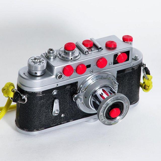 My latest camera mod inspired by the Danger Boyz @srfilmphotography & @dbloomsday  Add 100 #megapickes and super ultra #highrez #quality to your camera.  #shootfilm #analogphotography  #35mm #mediumformat #largrformat #35mmfilm #filmcamera #rangefinder #classccamera #leicam #leica