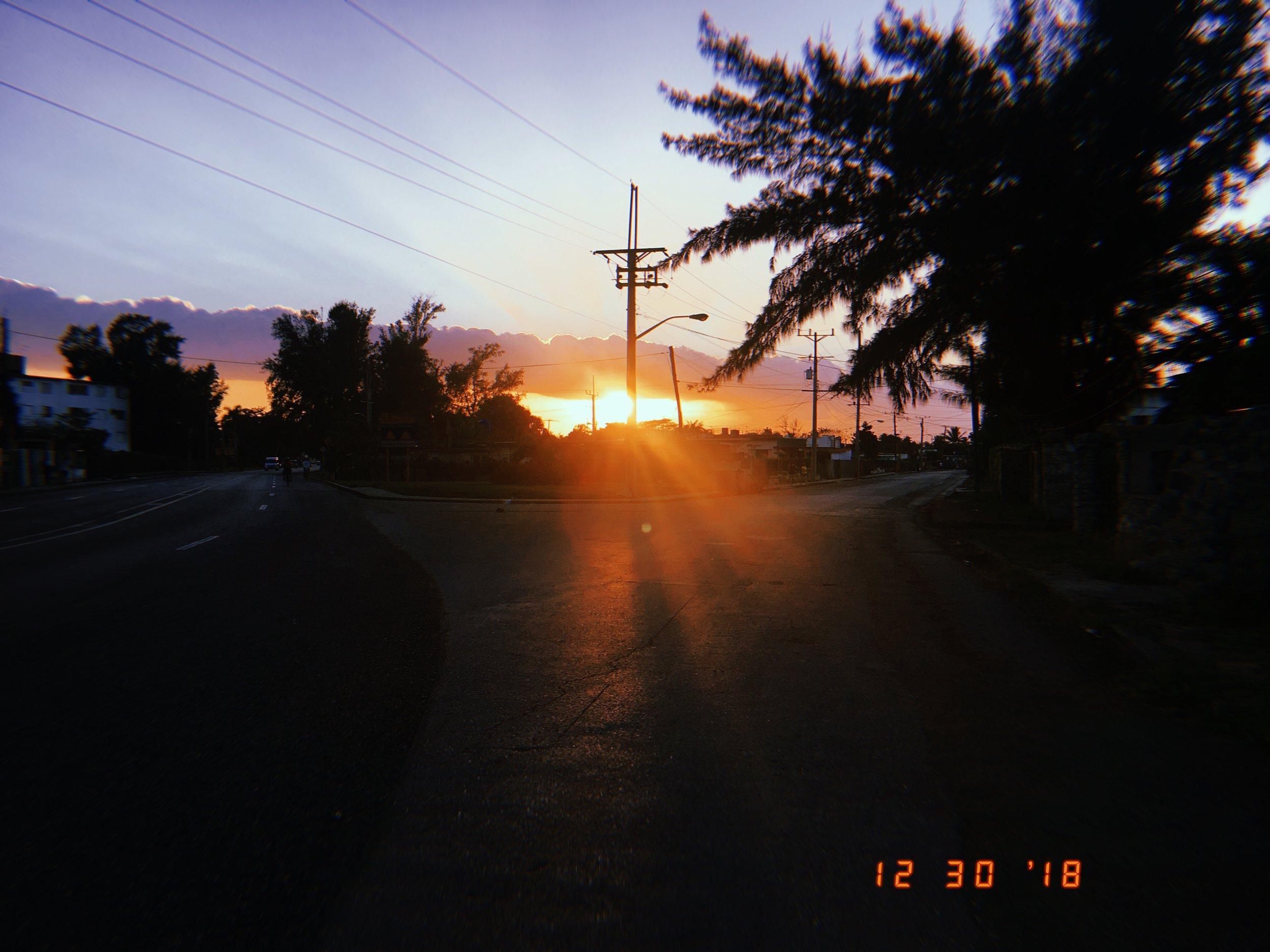 Sunset on 5tra in Santa Fe, Playa