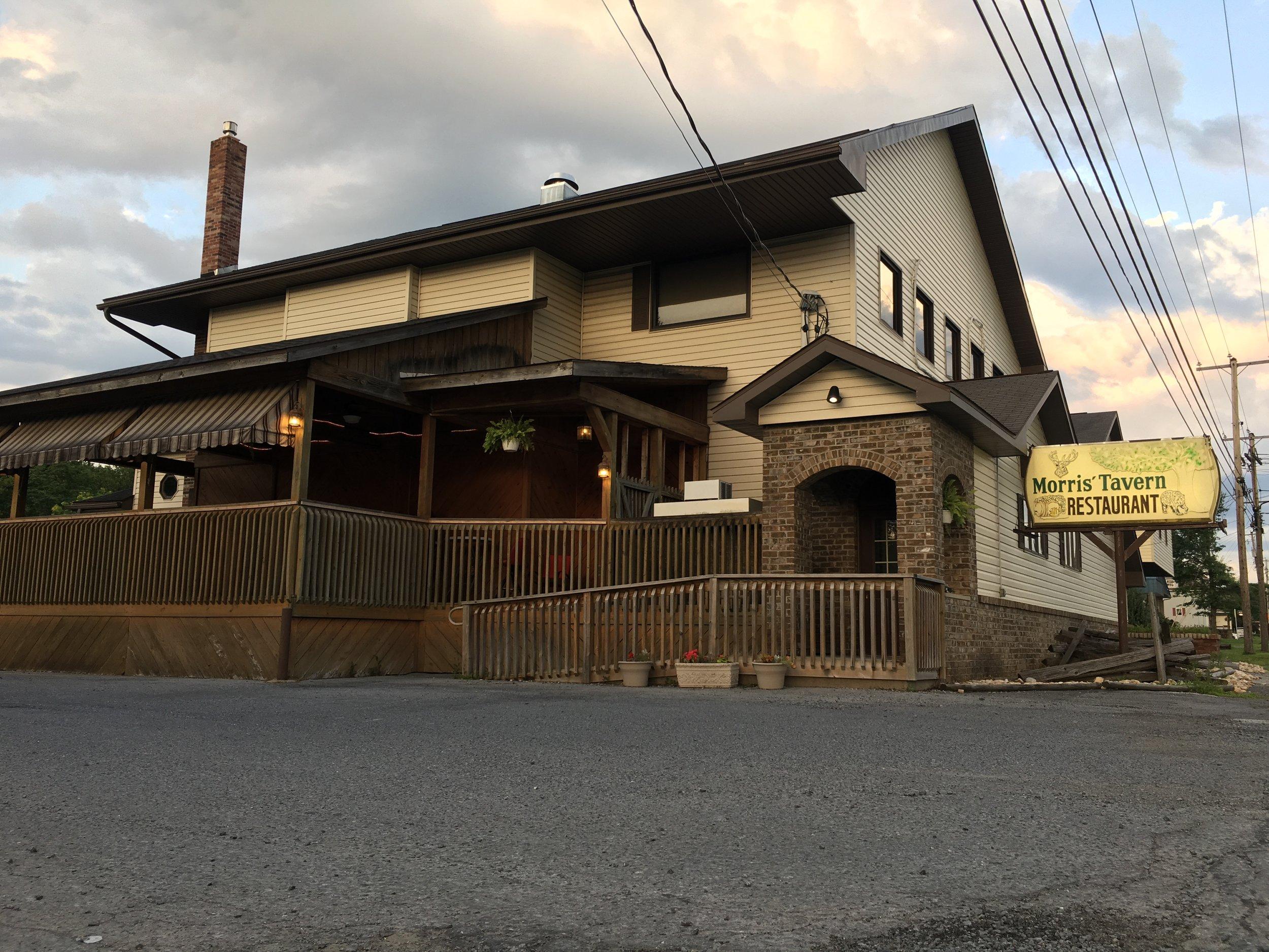 Morris' Tavern & Restaurant