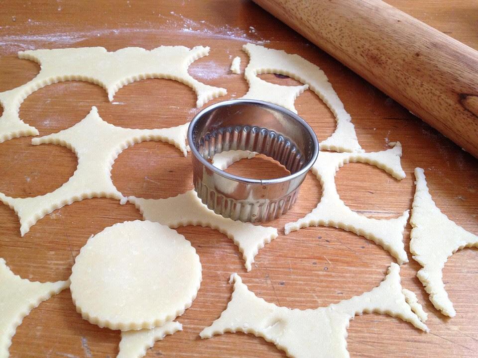 biscuit cutting.jpg