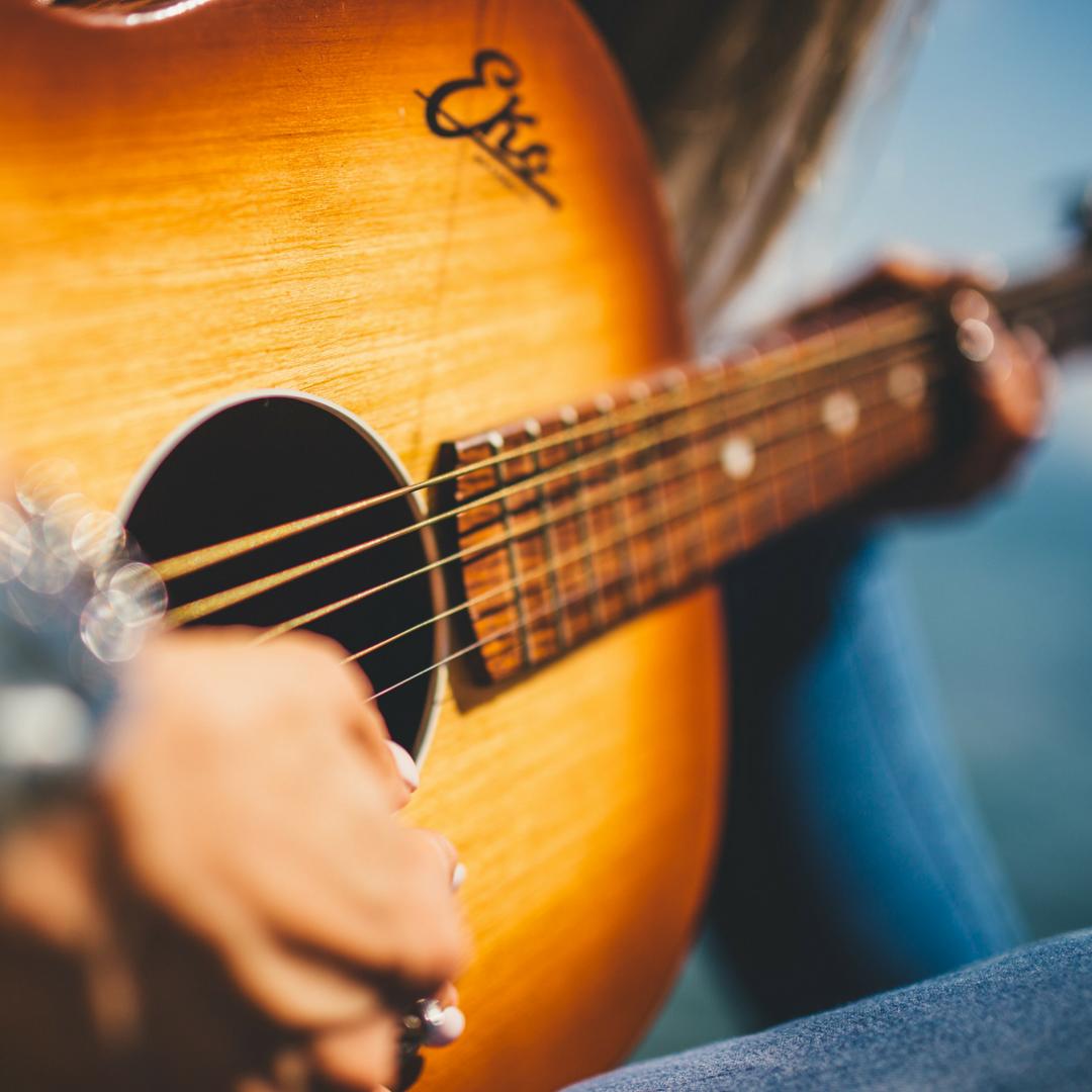 Guitar & Bass -