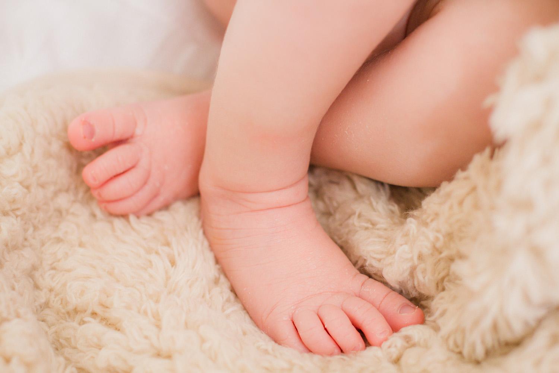 Ximena Newborn Shoot2.jpg