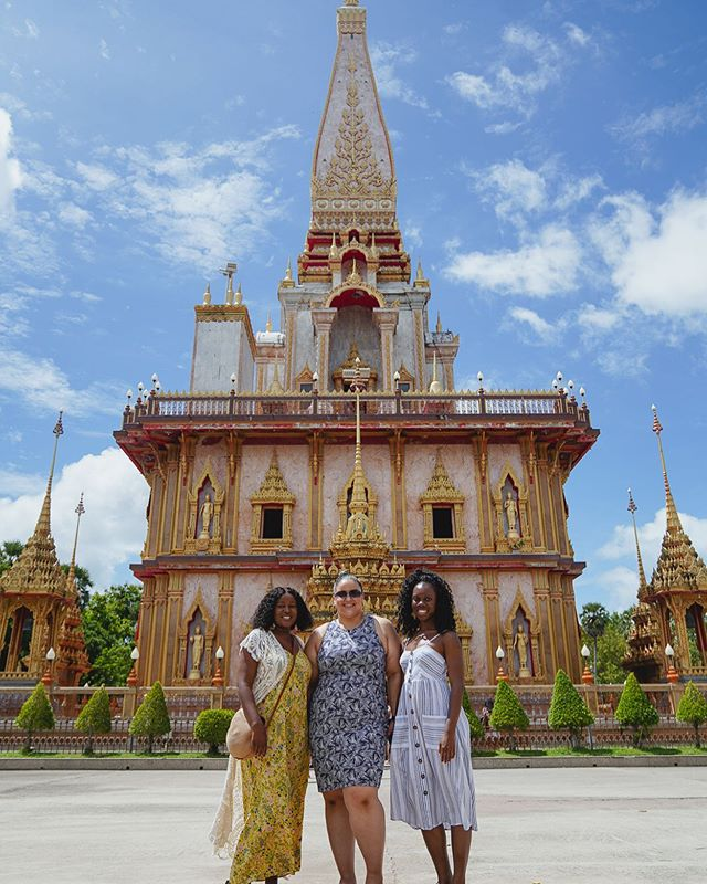 Thailand Day 2📍Exploring The highlights of Phuket! . Wats also known as Buddhist temples - are one of the most important symbols of Thailand, partly because the majority of Thais are Buddhist and partly because they are so intricate. In Phuket there are 29 Buddhist temples spread around the island. Today we spent the day learning about New religions and cultures as we explored some of Phuket's most beautiful temples!