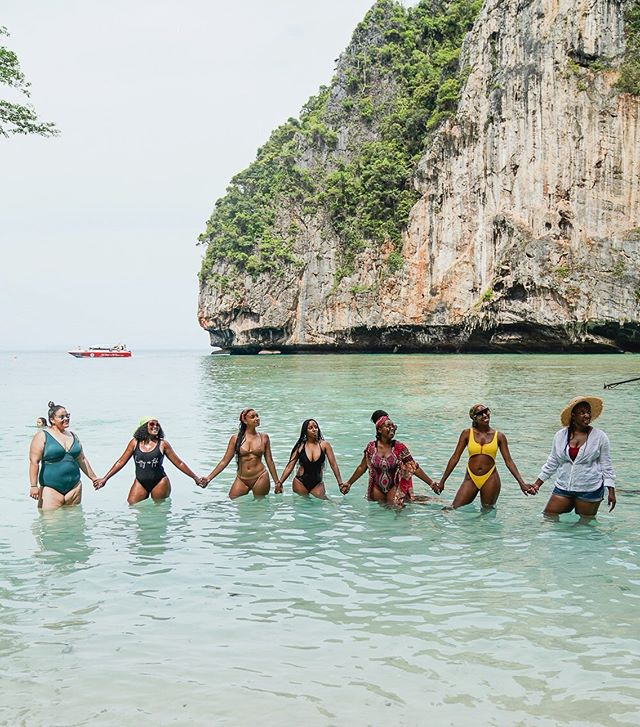 There's no time to be bored in a world as beautiful as this! 🌍🇹🇭 . . We just sent out an exciting email 📧 Are you subscribed to our mailing list? 🕺🏾