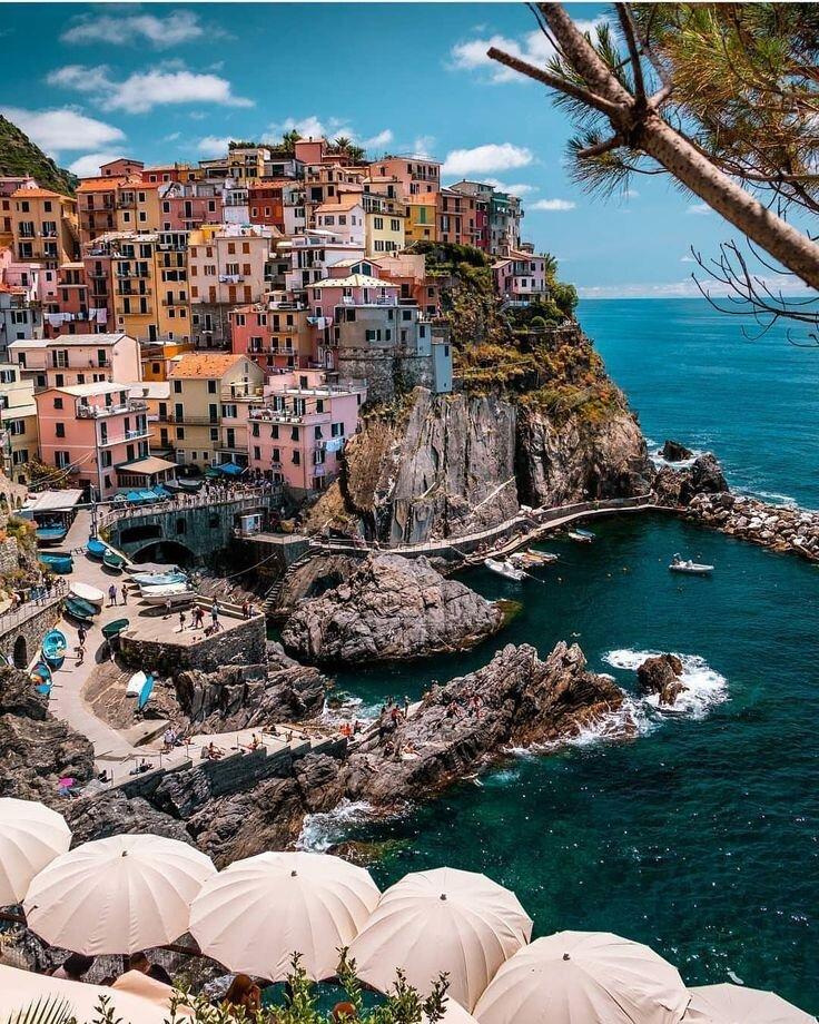 Manarola, Cinque Terre, Italy - Frisure.jpeg