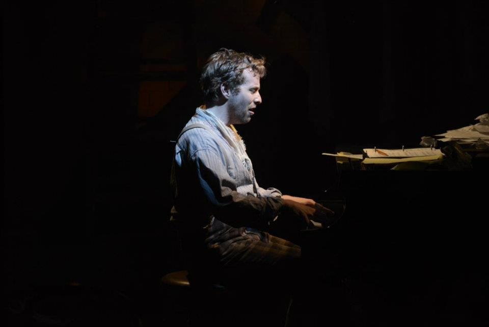 Fingers sings about love gone wrong. (Ian Lowe as Fingers).