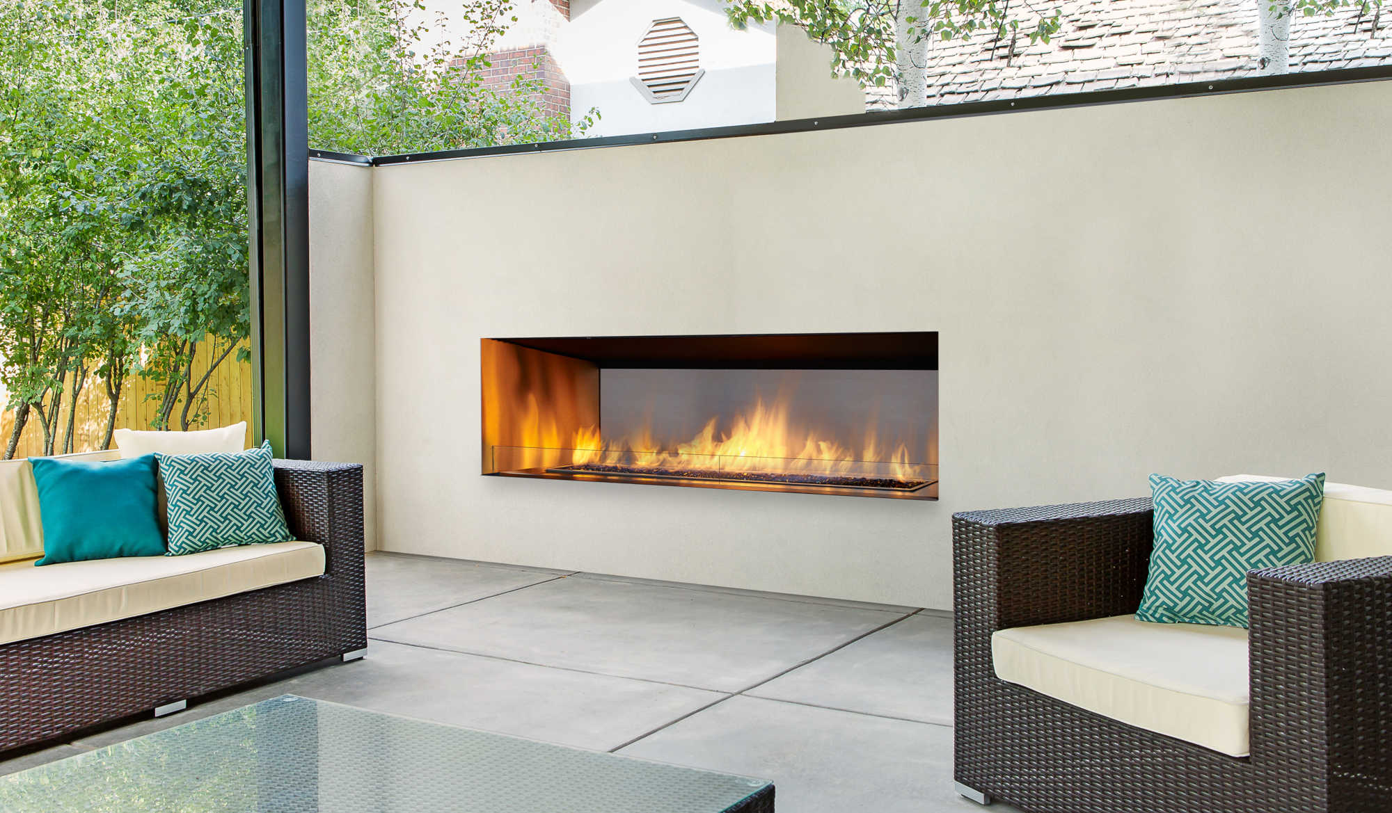 Regency-Outdoor-Gas-Fireplace-HZO60-B.jpg