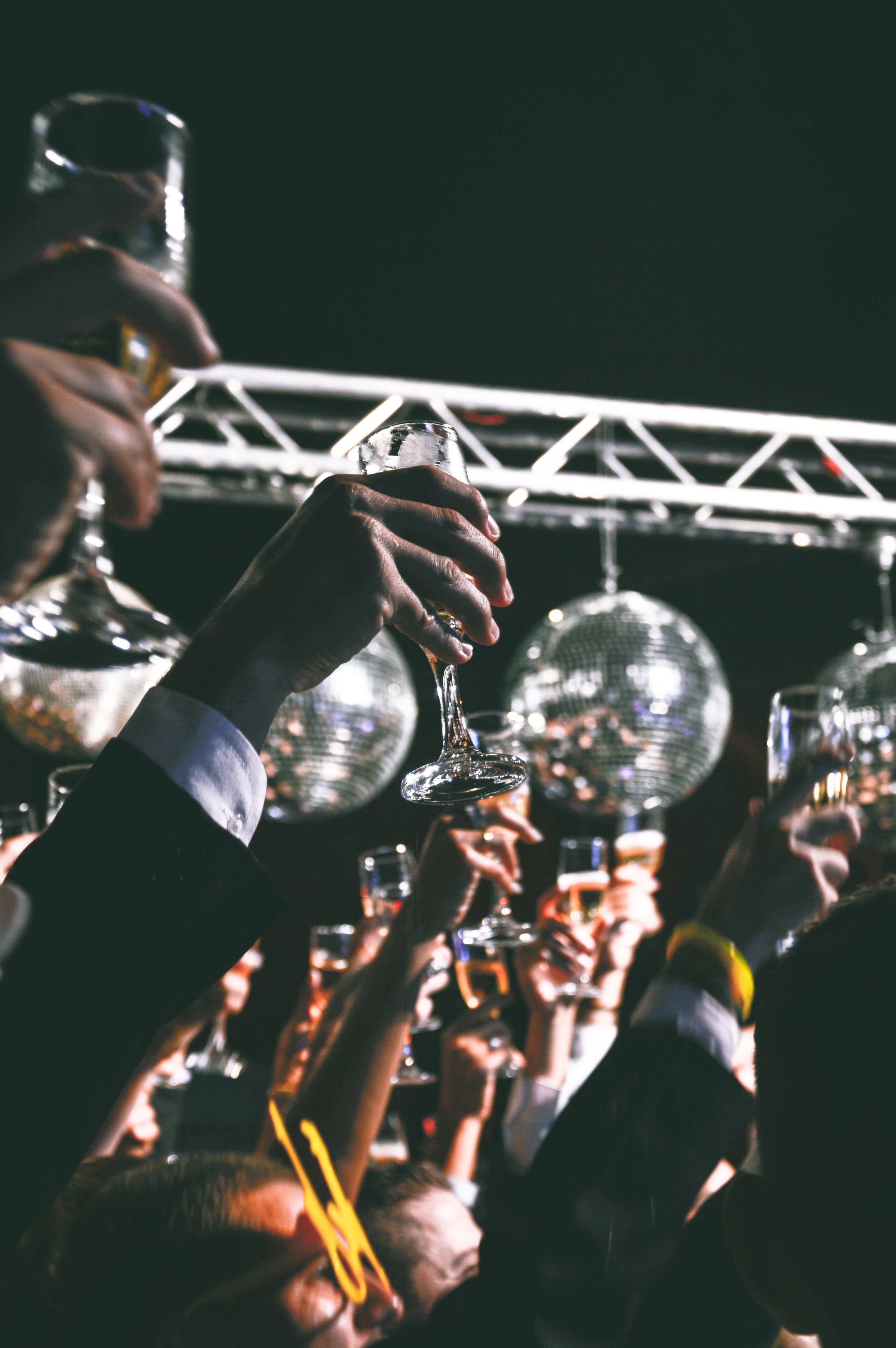 ball-cheers-crowd-59884.jpg