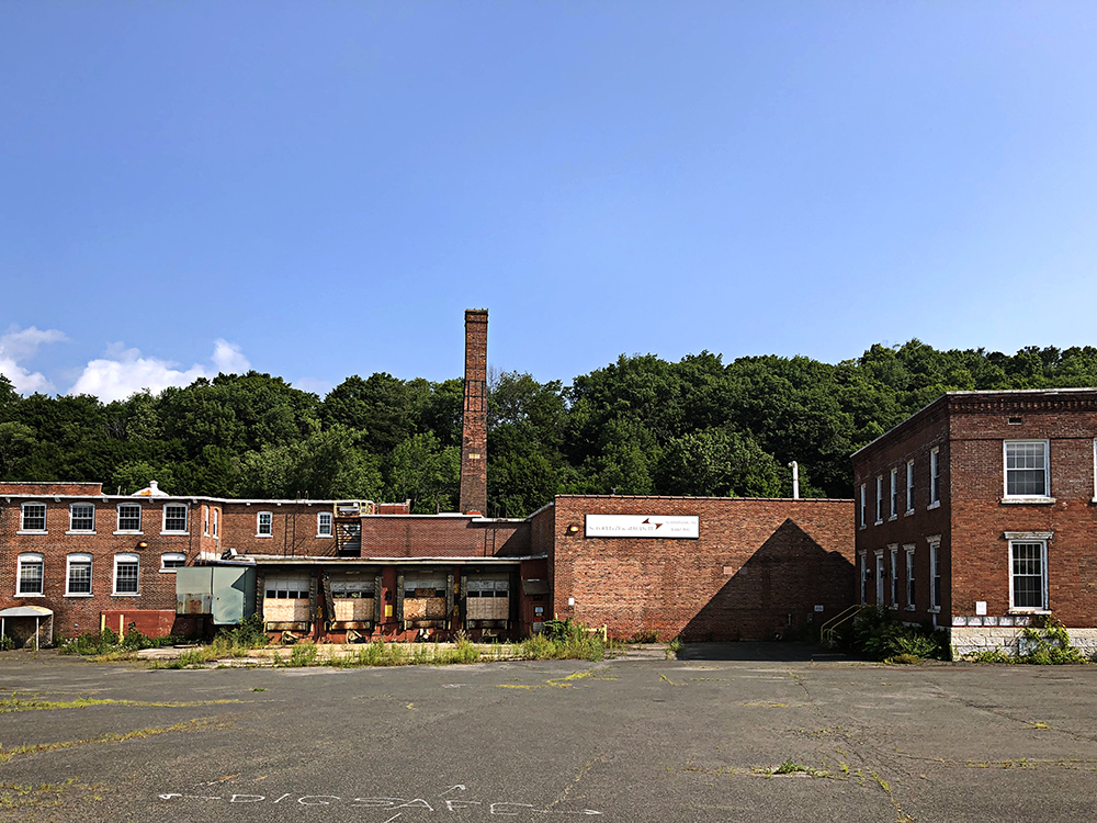 Eagle Mill buildings complex, Lee MASS, photo