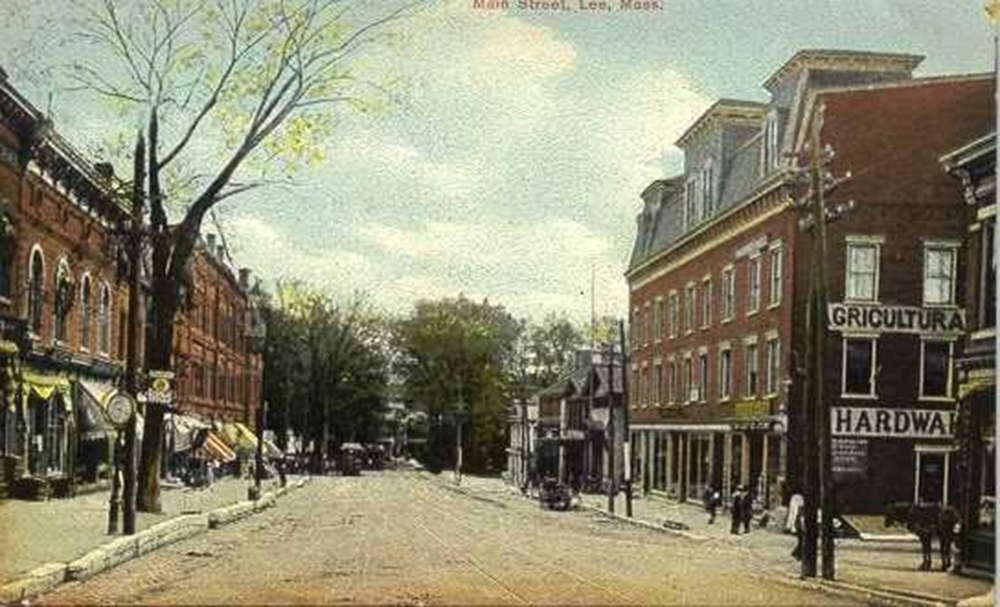 Downtown Lee. Lee Historical Society/Facebook: Lee Chamber of Commerce
