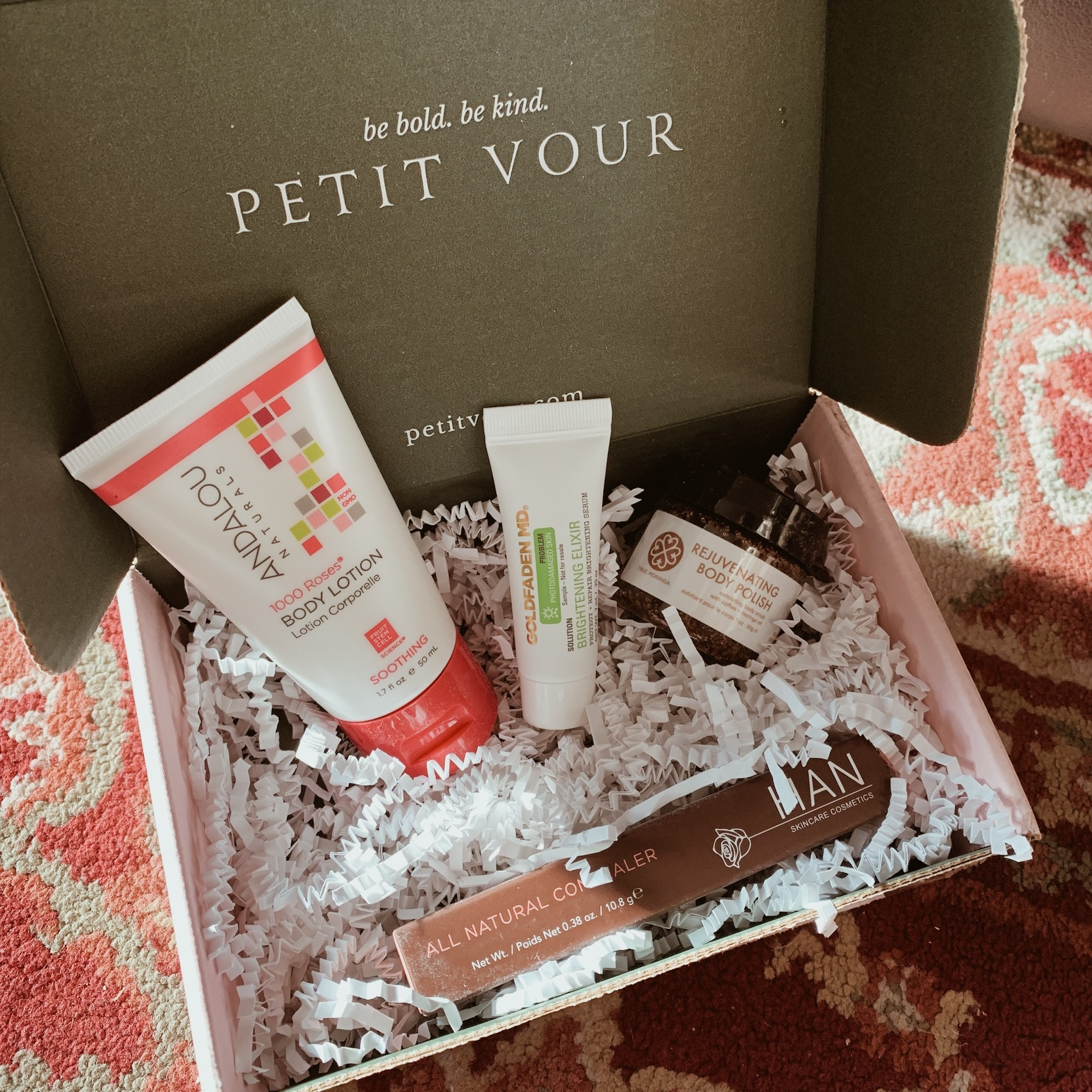PETIT VOUR: DECEMBER BOX SUBSCRIPTION. PHOTO BY PRISCILLA WONG. IG: @lifewithpriswong