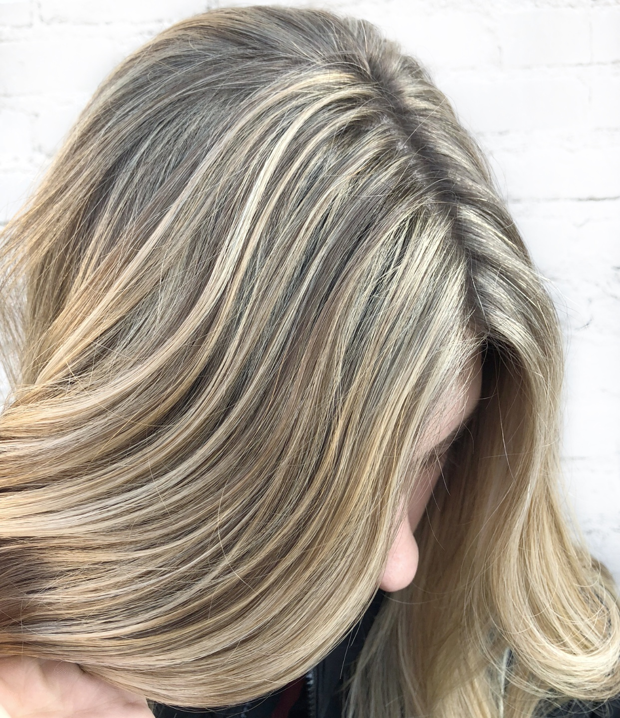 Basic Highlight - As you can see the color goes all the way up to the base of the hair and is solid the whole way through the hair.