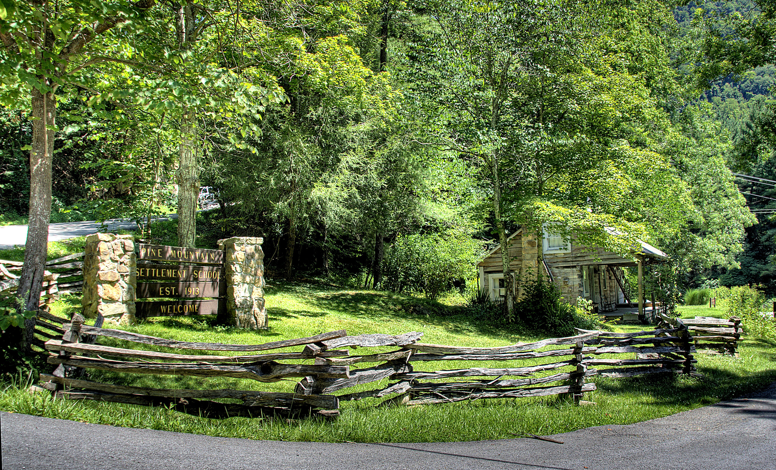 Pine Mountain Settlement School - Harlan CountyIn the heart of Kentucky's coalfields, Pine Mountain Settlement School is reigniting a vision so old it is new again. Visit, support, and advocate for the beautiful people, children, cultures, and wildlands of the Kentucky Mountains.