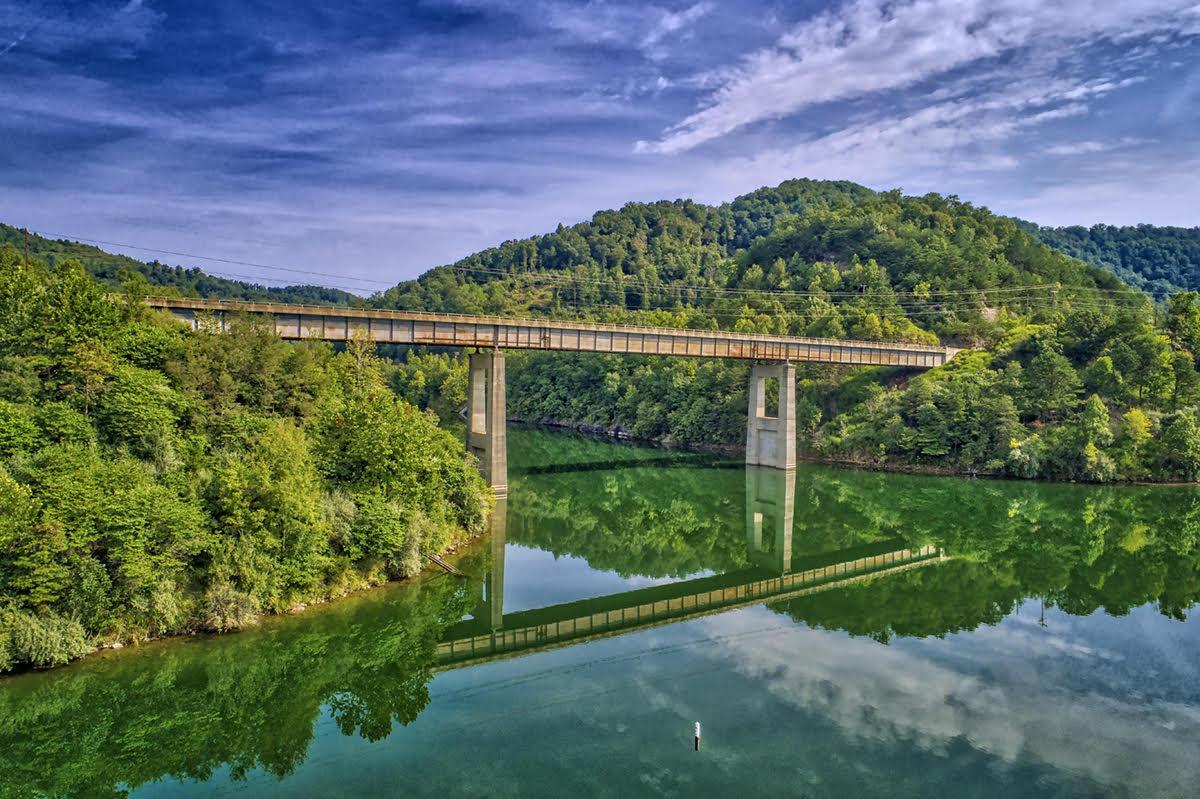 carr creek lake.jpg