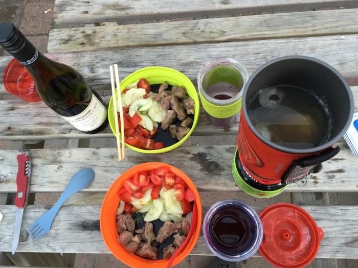 キャンプの時にしょっちゅう食べてた、ラム肉BBQ。そしてワイン
