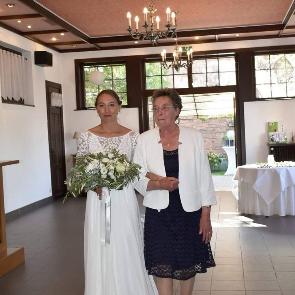 Entrée de la mariée.jpg