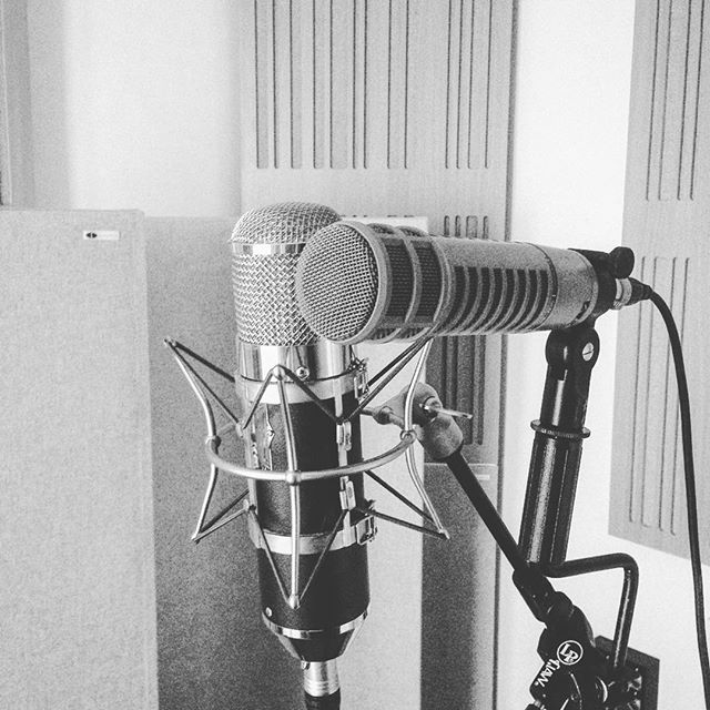 Phew - productive day recording vocals, piano, bass and @benwalker1981 on slide guitar for the last track of the EP. ⚡️🤘 . . . . . #music #martinbrooksmusic #recording #rootsmusic #acousticmusic #originalsong #microphonechoices #microphone #blues #folk #studio
