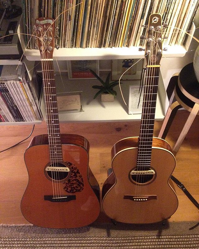 I'll be playing my first gig for ages on Sunday  evening in The Finsbury Pub alongside some great bands. Just re-strung these beauties and they are sounding lovely 🤘😊 . . . #guitar #acousticguitar #livemusic #gig #martinbrooksmusic #thefinsbury #thefinsburypub #sologig