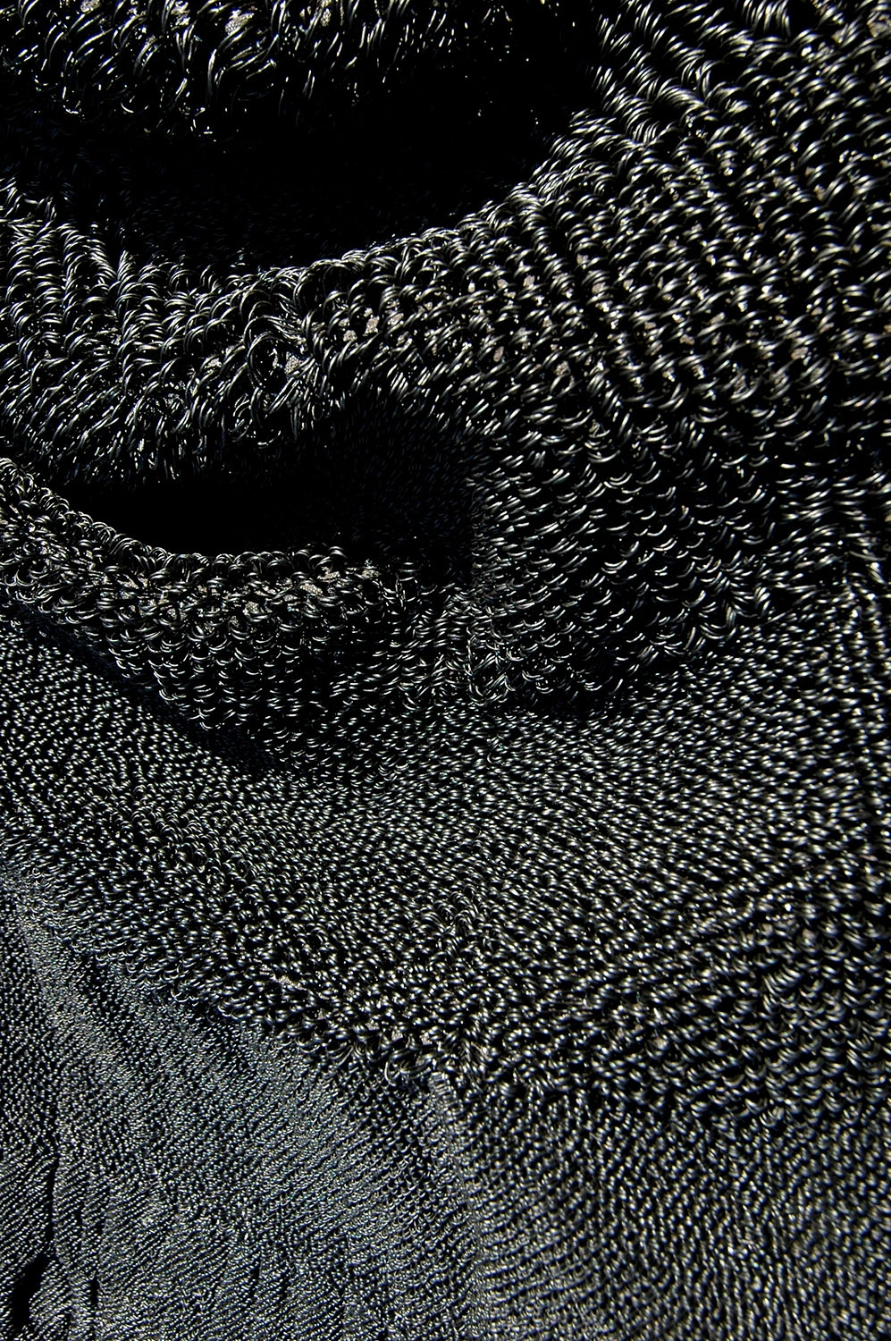 Interflow - Research of the material proportions of various yarns and the textural effect of variations between small and large loops.
