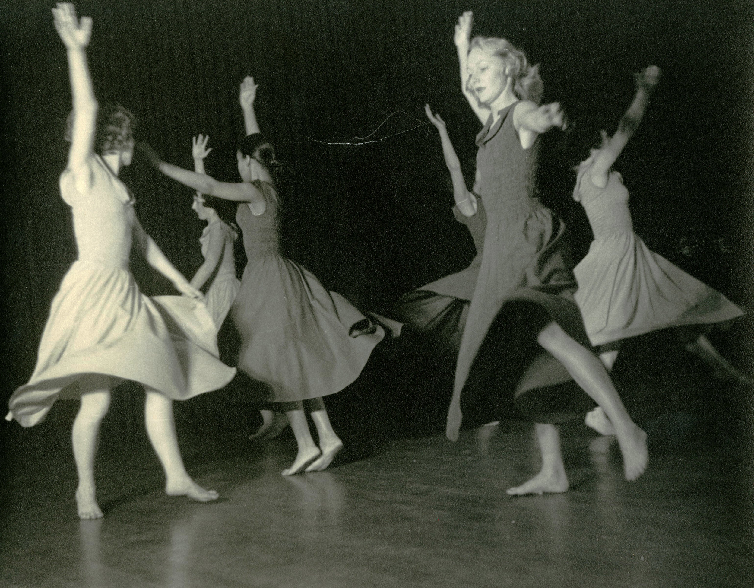 c1940s_le_valse_sara_miller_2nd_from_right.jpg