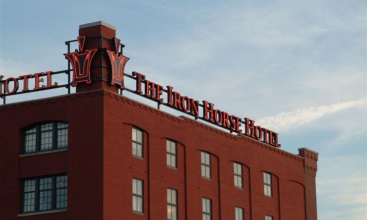 Milwaukee: Iron Horse Hotel