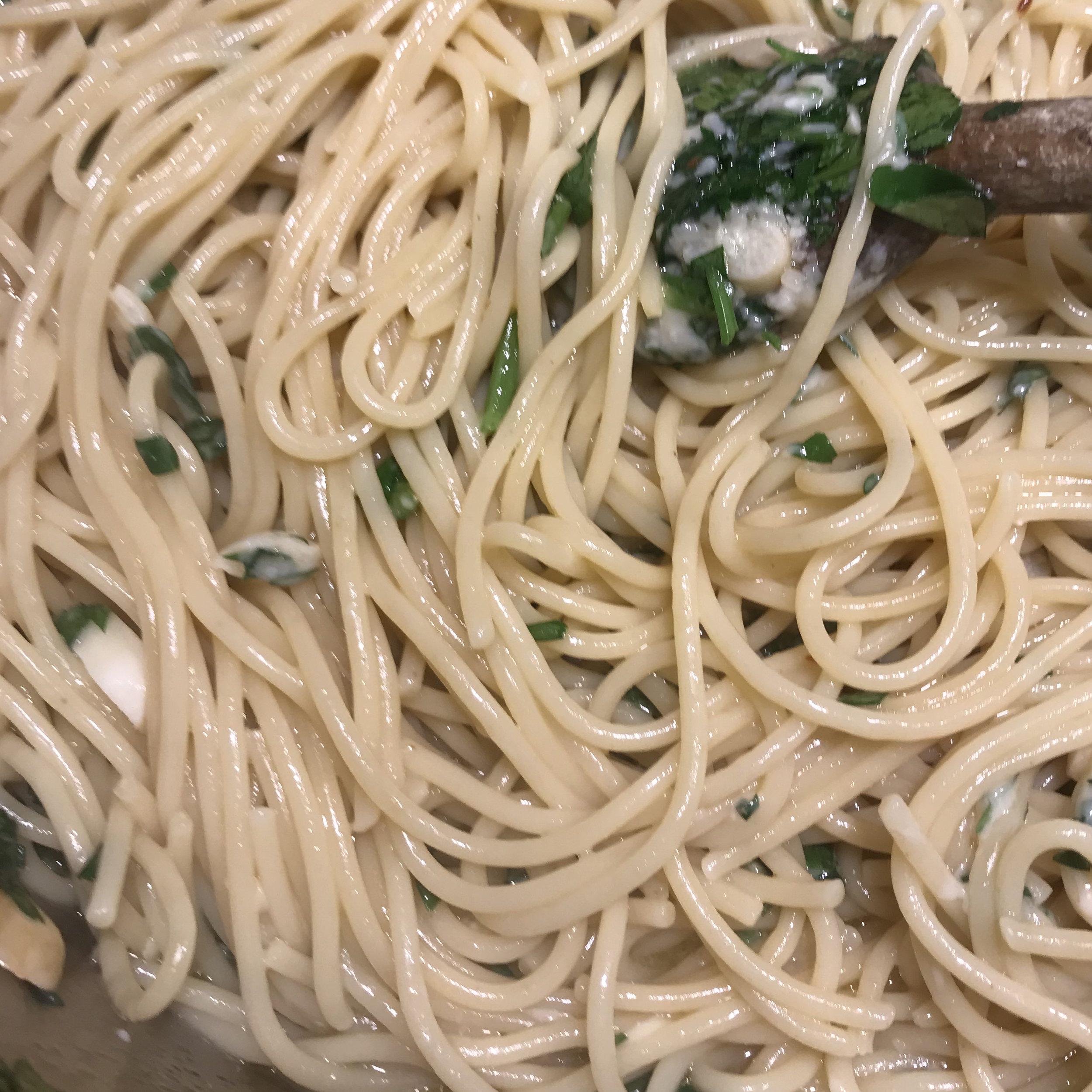 Spaghetti Aglio e Olio . How Easy Is That? . Week 18