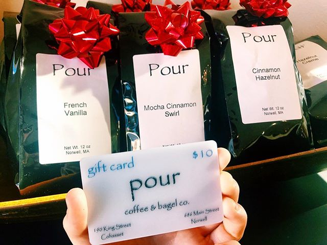 Looking for any last minute gifts this holiday season? A bag of Pour coffee or a Pour gift card would be perfect! Come in and grab it 🎁🎉🎊