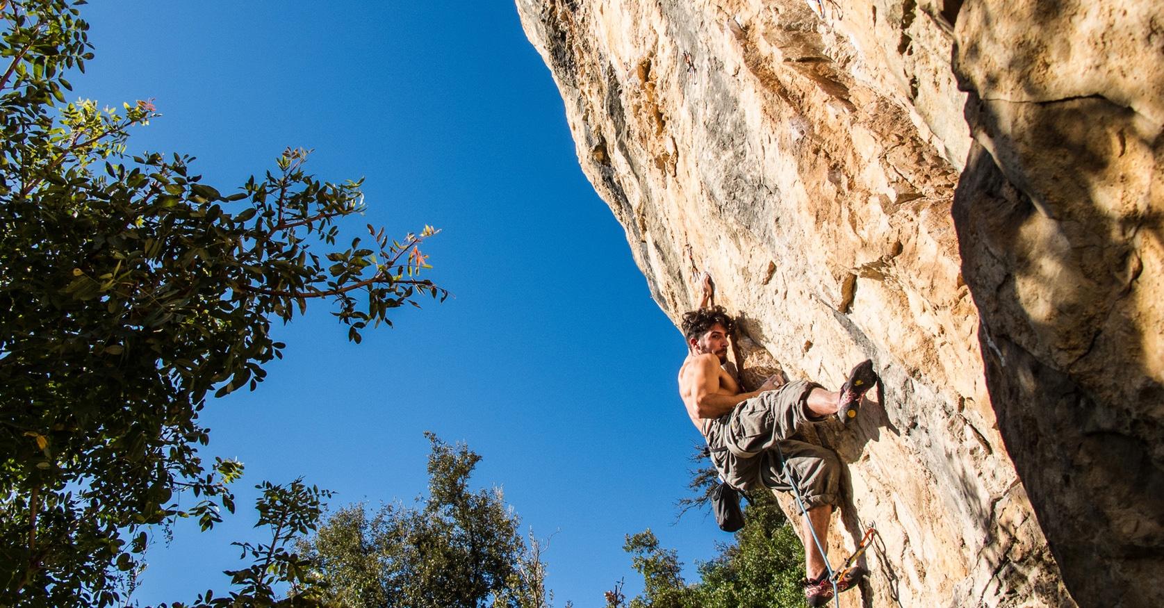 rock-climber-no-words.jpg