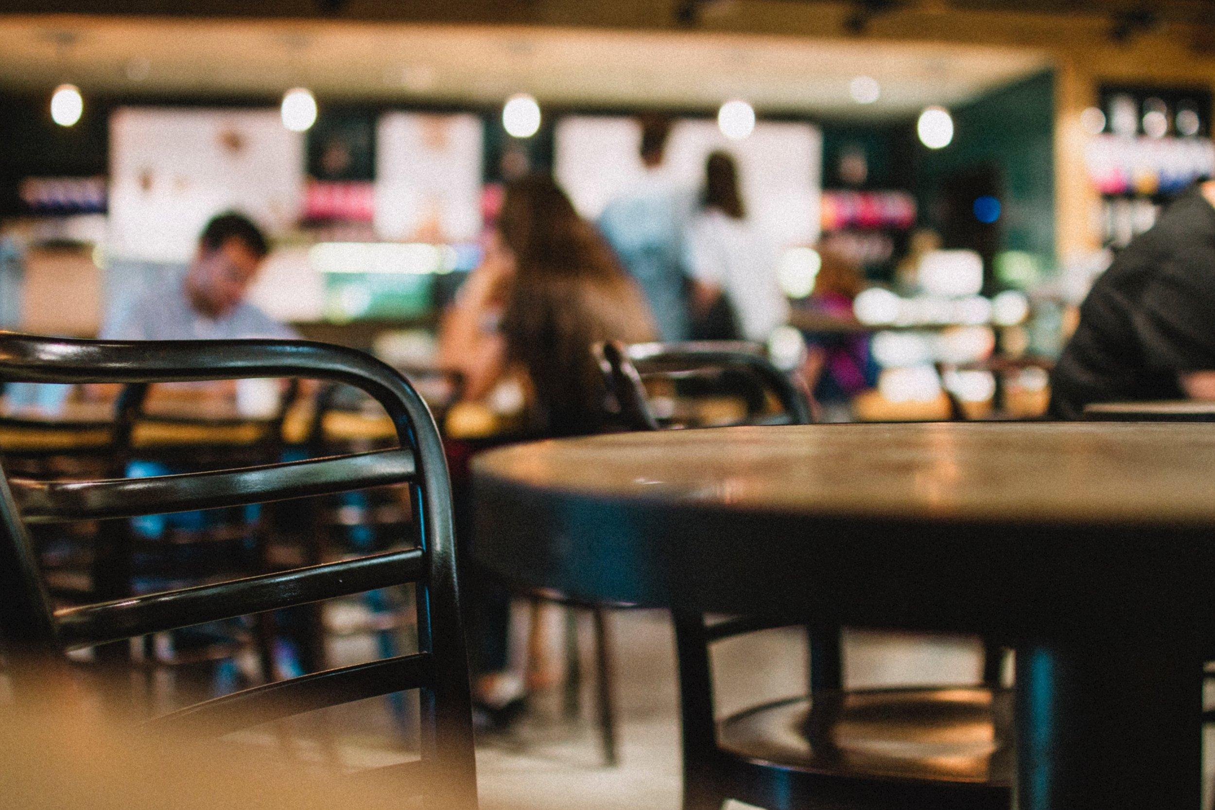chair-coffee-shop-counter-597929.jpg