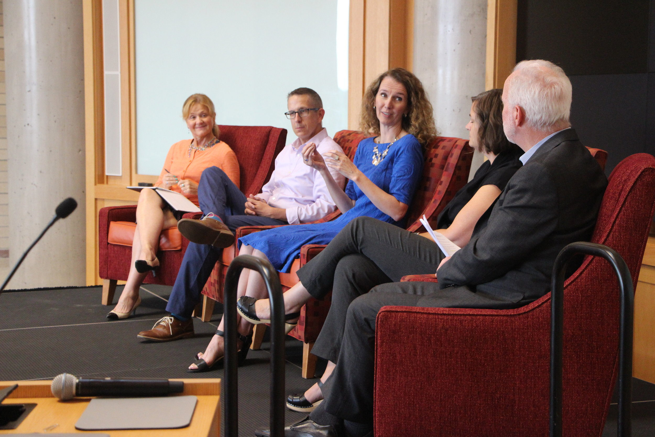 Roxane White (Colorado Media Project), Eric Gorski (Chalkbeat), and Laura Frank (Rocky Mountain PBS) converse with special guest Molly de Aguiar (News Integrity Initiative) and moderator Tom Gougeon (Gates Family Foundation) at an Aug. 22 public forum held at Denver University.