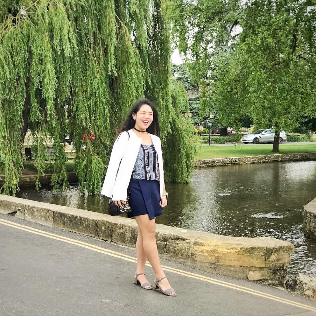 @karamainniyaa wears The Estelle in gray