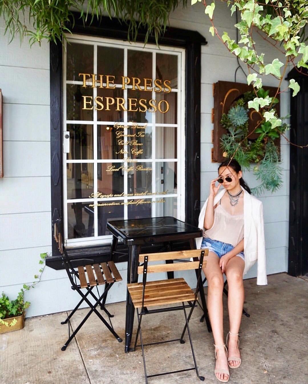 @paulinamay wears The Maïa in beige