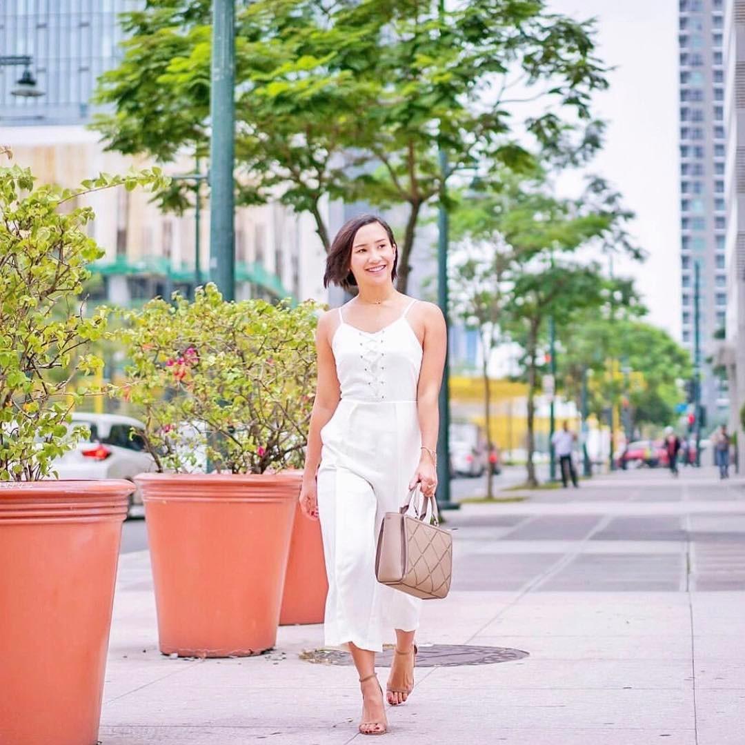 @gohingmelissa wears The Cloé in mocha