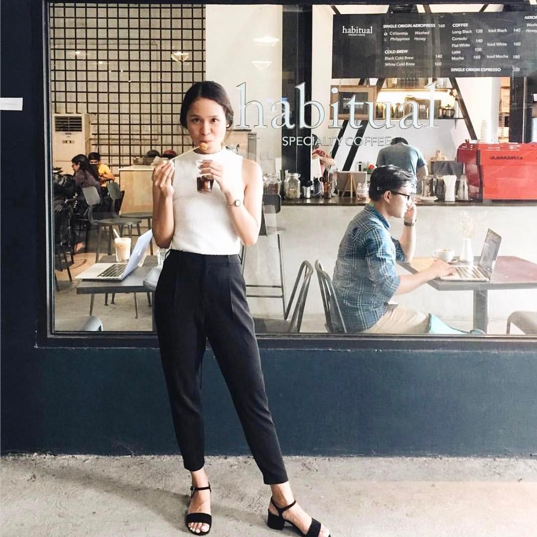 @claudinemedina wears The Estelle in black