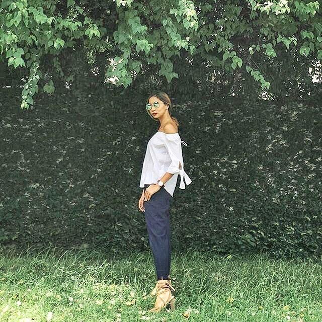 @tialacson wears The Karine in mocha