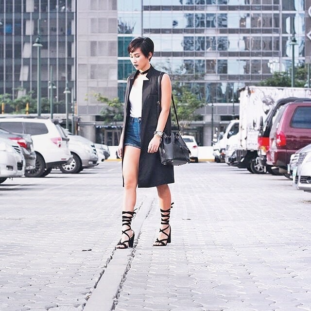 @gohingmelissa wears The Karine in black
