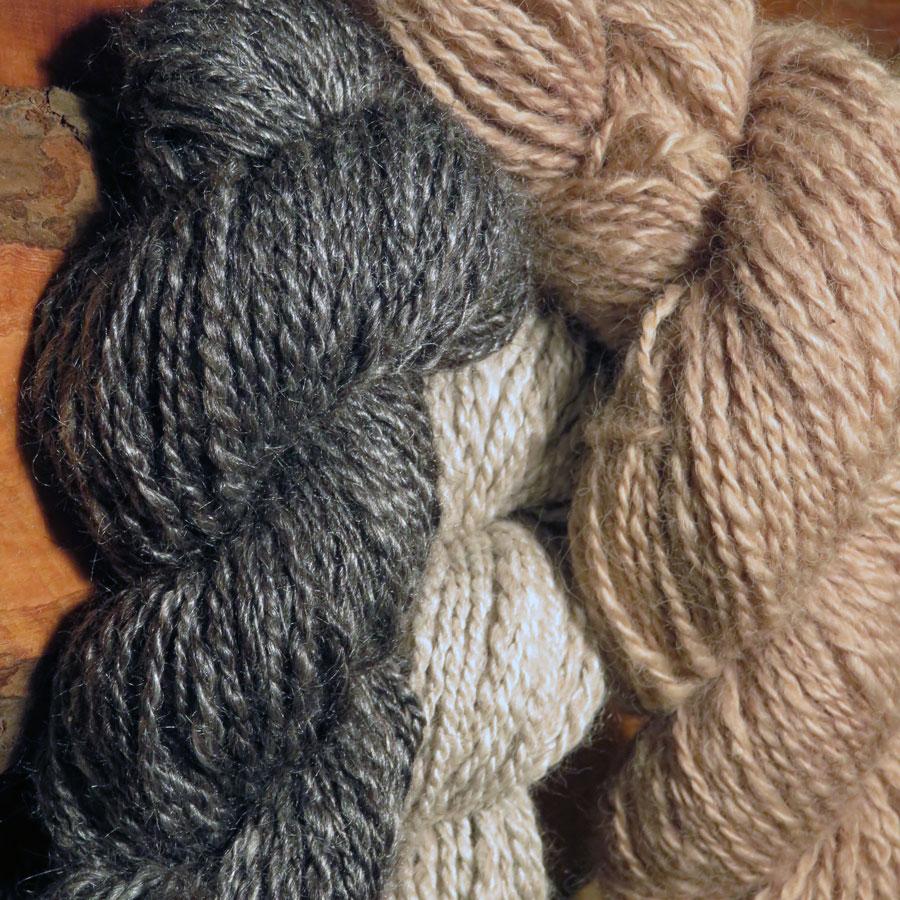 square-linda-fiber-yarn.jpg