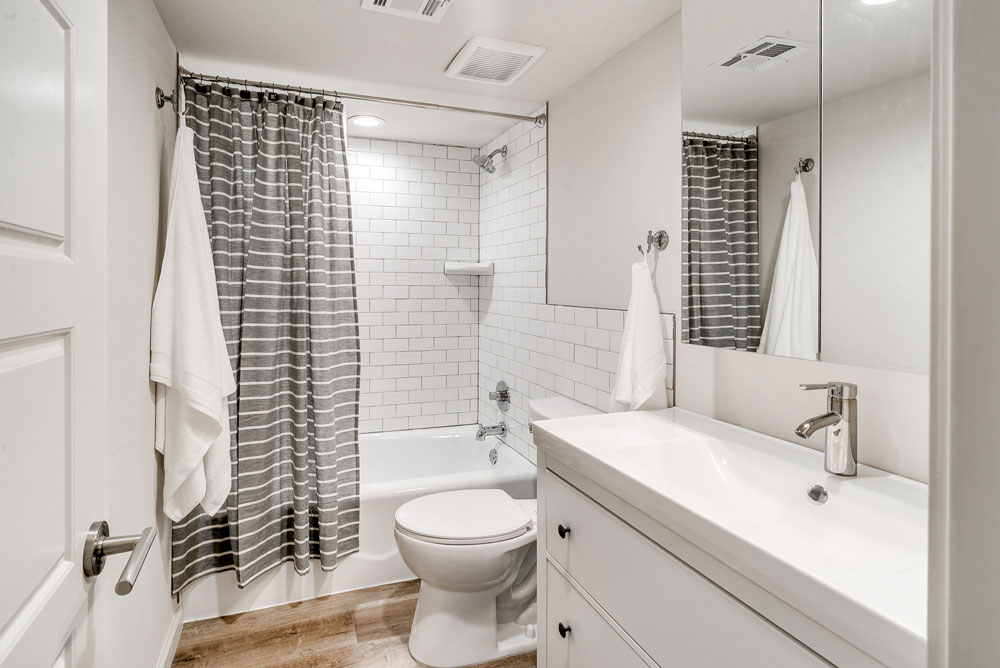 2-bed_2.5-bath---guest-bathroom-web-res.jpg