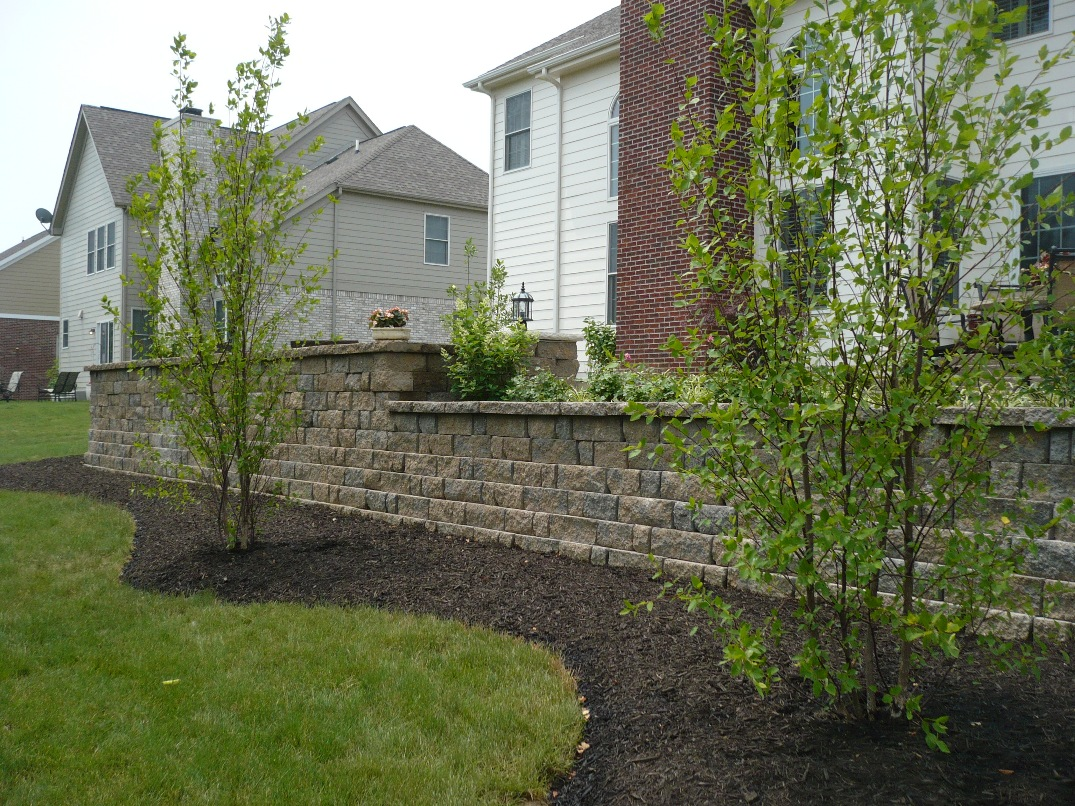 Wall Granite with Aggregate Patio