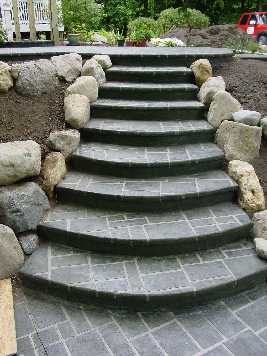 Ashlar Slate Stencil Patio; steps & walkway with Emerald Green color and, Charcoal gray Release