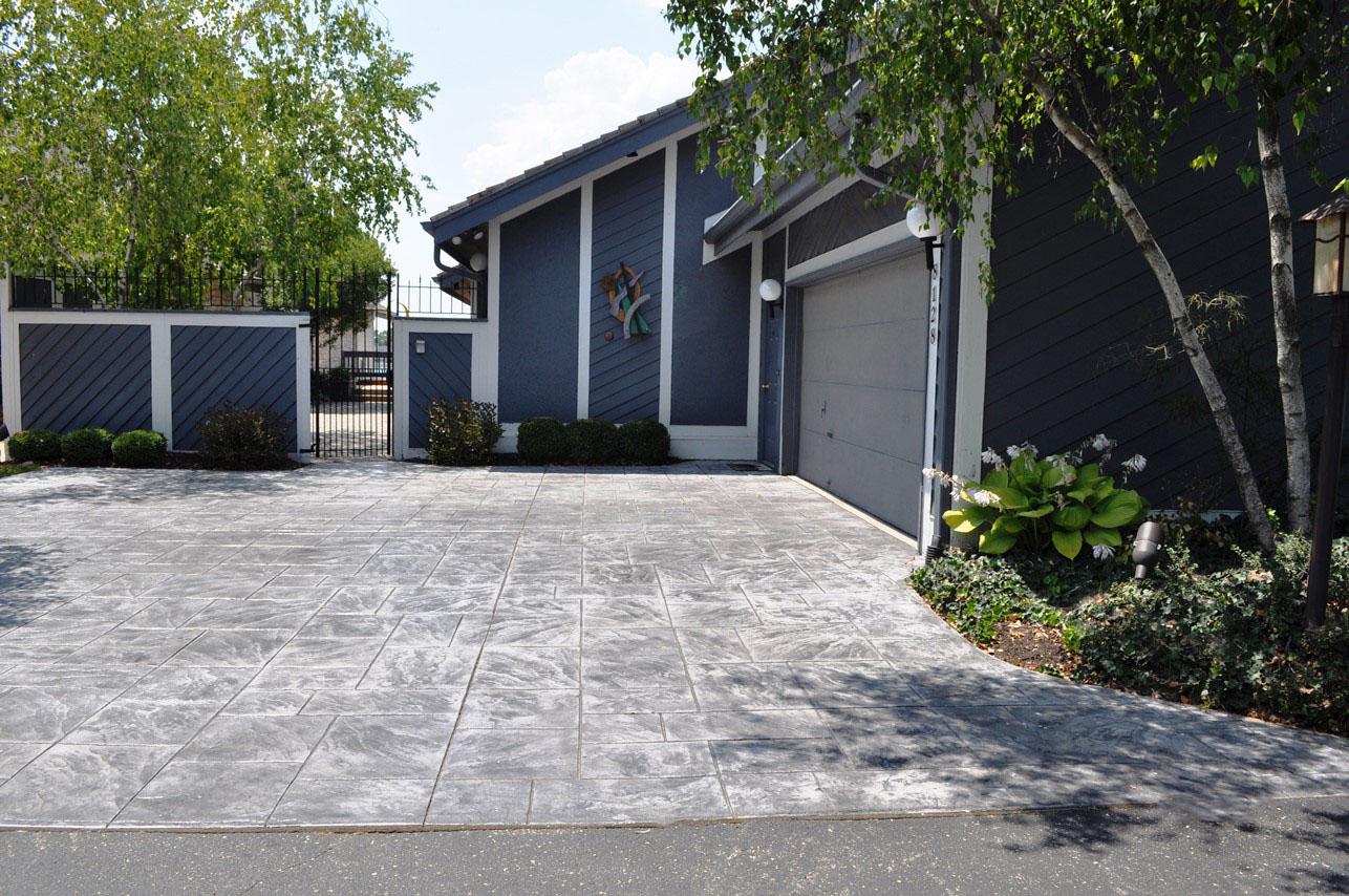 Driveway, Stamped Large Ashlar Slate, Sable, Charcoal gray