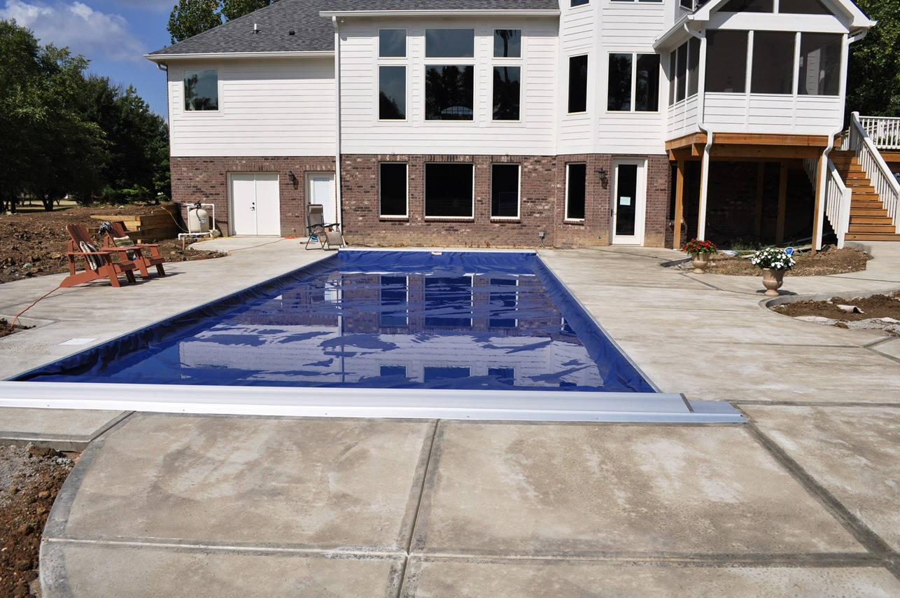 Pool deck, sweat swirl finish