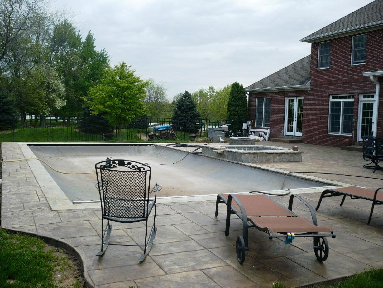 Pool deck, Stamped large ashlar slate, oyster white, dark walnut
