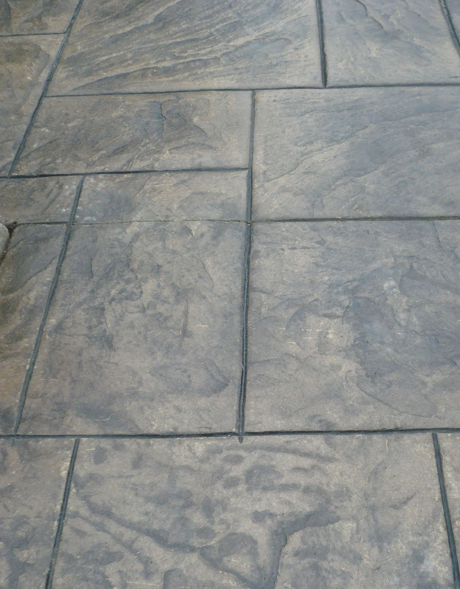 Stamped Large Ashlar Slate, Mesa Buff, Charcoal Release