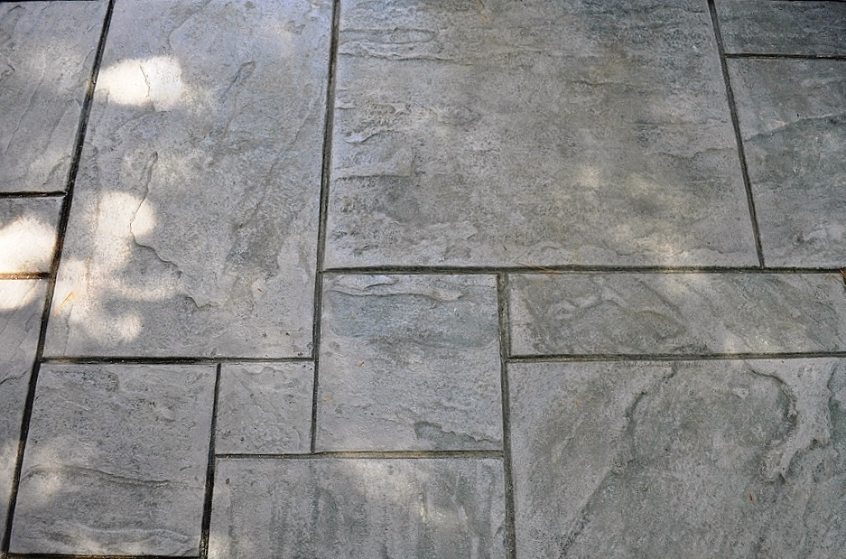 Yorkstone stamp, butterfield cape cod base with butterfield slate gray 6 (1000x664)